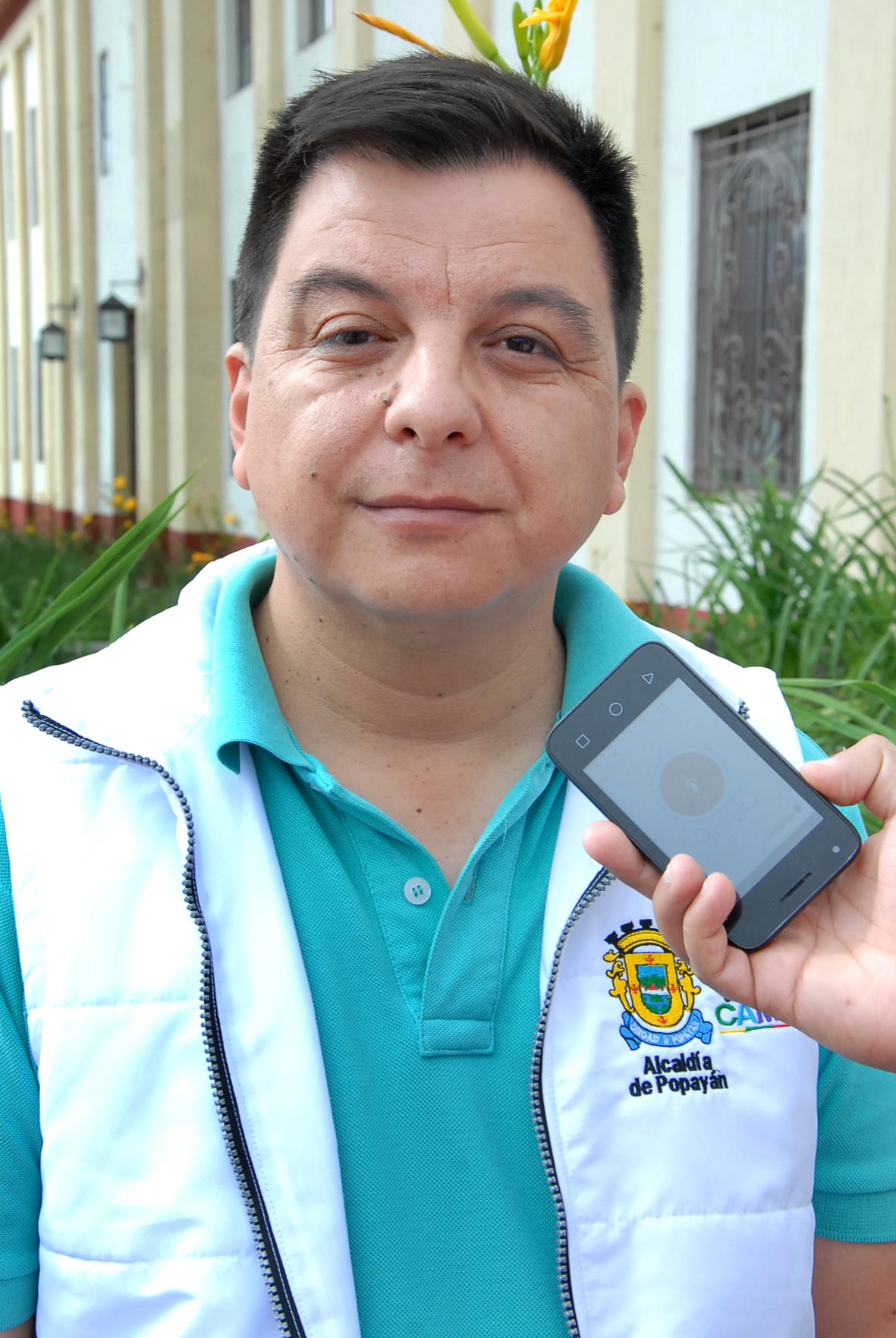 Alexander Hoyos, periodista que denunció amenazas contra su vida.
