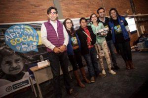 """En la Hackatón APPuesta Social el equipo de Tania Cabrera ganó el reto """"Me la juego por la PAZ"""" con su idea 'PazaLaVoz'. Foto Gobierno en Línea."""
