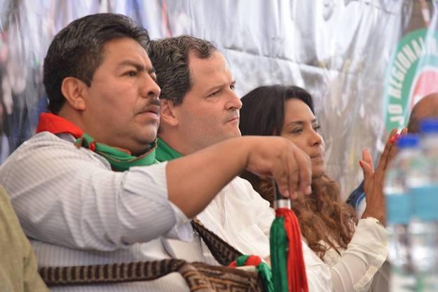 El consejero Carlos Maca, al lado del Alto Comisionado de la Paz, Sergio Jaramillo y la viceministra del Interior, Carmen Inés Vásquez / Fotografía Radio Súper.